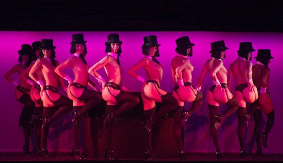 Show tematico de Cabaret Parisino Maju Studios